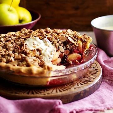 "[Apple crunch pie with vanilla bean custard](http://www.foodtolove.com.au/recipes/apple-crunch-pie-with-vanilla-bean-custard-16710|target=""_blank"")"