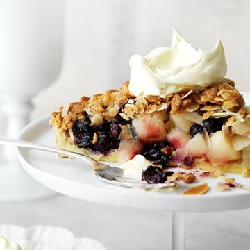 "[Blueberry apple crumble pie](http://www.foodtolove.com.au/recipes/blueberry-apple-crumble-pie-16977|target=""_blank"")"