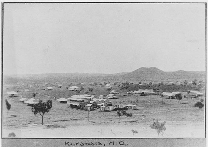 Elevated view of the small town of Kuridala, c.1921. (Image: The Queenslander/Wikimedia)