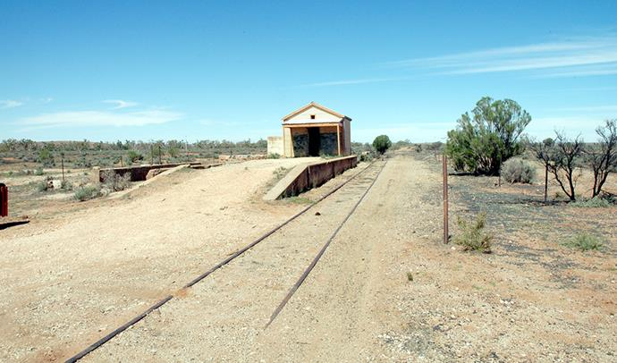 Old railway platform for the defunct Silverton Tramway. (Image: Conollyb/Wikimedia)