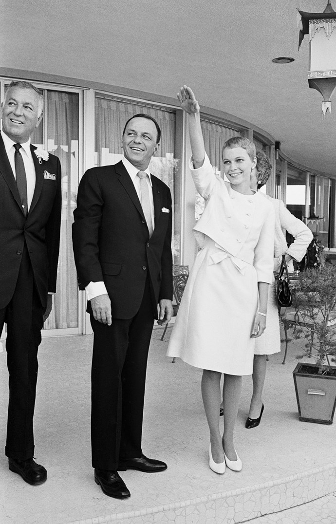 Frank Sinatra (50 years old) and his new bride Mia Farrow (21 years old), just after getting married at the Sands Hotel in Las Vegas. 1966.