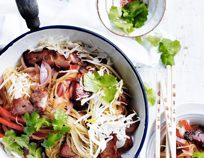 "[Pork and bean sprout Singapore noodles](https://www.womensweeklyfood.com.au/recipes/pork-and-bean-sprout-singapore-noodles-28891|target=""_blank""