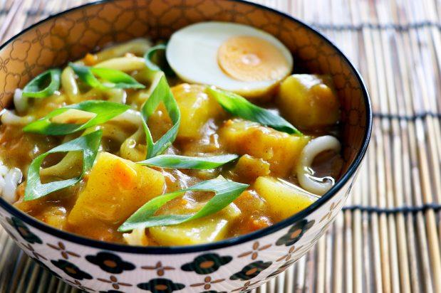 """**[Vegetarian curry udon noodles](https://asianinspirations.com.au/recipes/vegetarian-curry-udon-noodles/