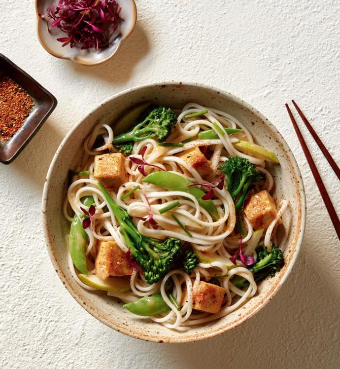 """**[Fried tofu, broccolini and pear udon salad](https://hakubaku.com.au/recipe/fried-tofu-broccolini-pear-udon-salad/