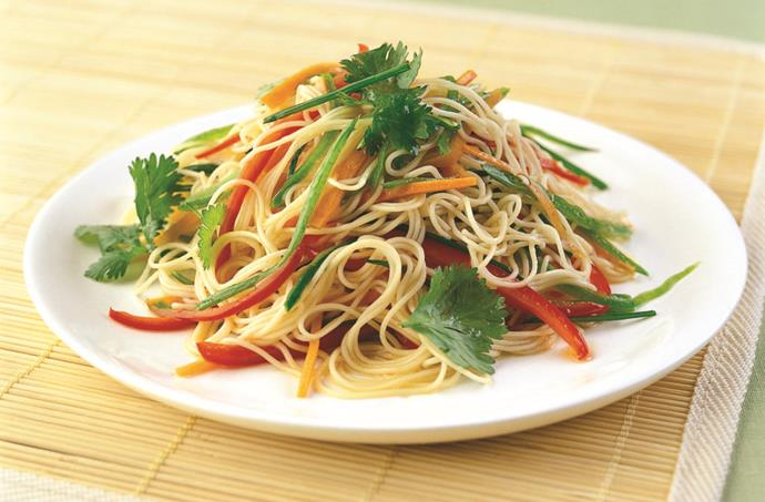 """[**Somen noodles with 3-colour vegetable salad**](https://hakubaku.com.au/recipe/somen-noodles-with-3-colour-vegetable-salad/