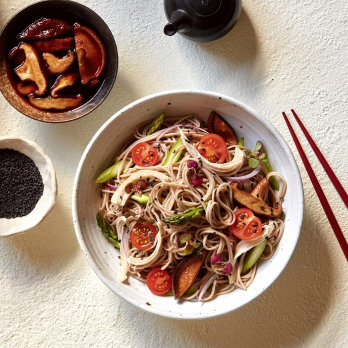 """**[Chicken, pickled mushroom and soba salad](https://hakubaku.com.au/recipe/chicken-pickled-mushroom-soba-salad/
