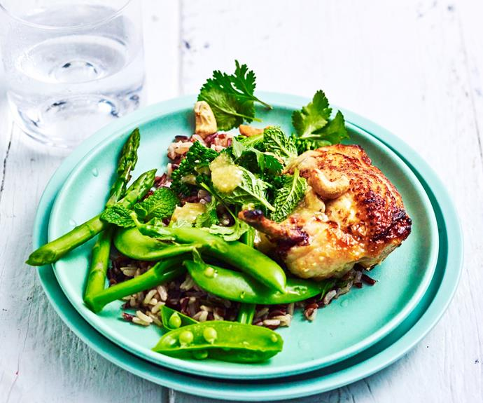 """**[Chicken with broccolini and asparagus](https://www.womensweeklyfood.com.au/recipes/chicken-with-broccolini-and-asparagus-29579