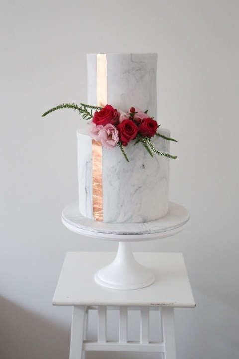 "**Metallic Moment** Cake by [Sweet Bakes](http://www.sweetbakes.net.au/|target_""blank"")"