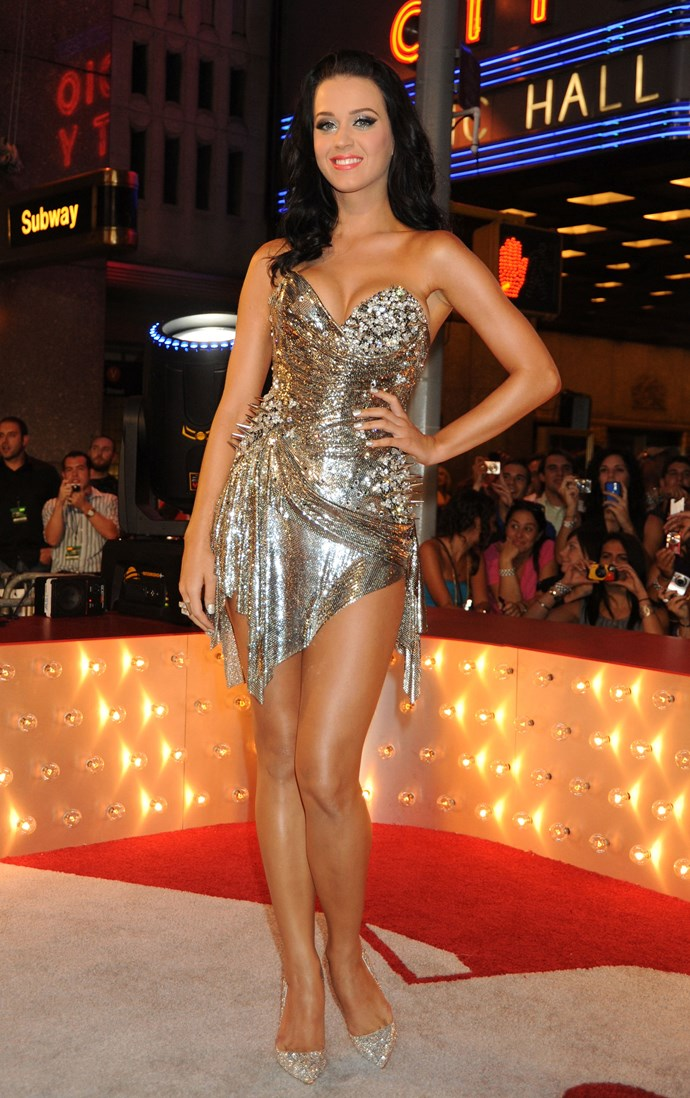 She looked literally outta this world when she wore this metallic mini.