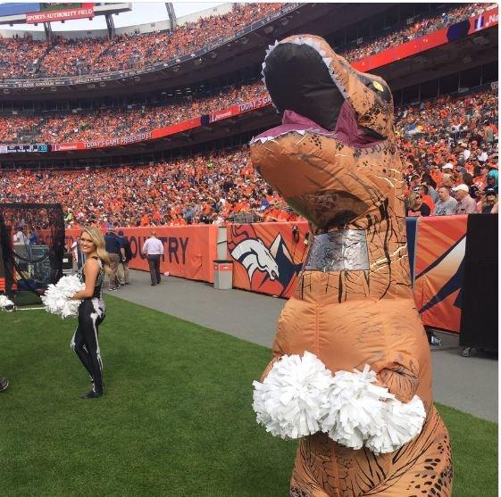 "**7. The Broncos' T. rex cheerleader**  Source: [ChargersJBeane](https://twitter.com/ChargersJBeane/status/792820592386859008?ref_src=twsrc%5Etfw|target_""blank"")"