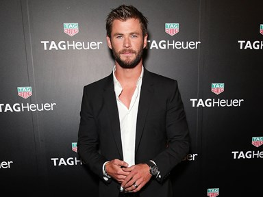 Get ready to #swoon at this pic of Chris Hemsworth being a total DILF