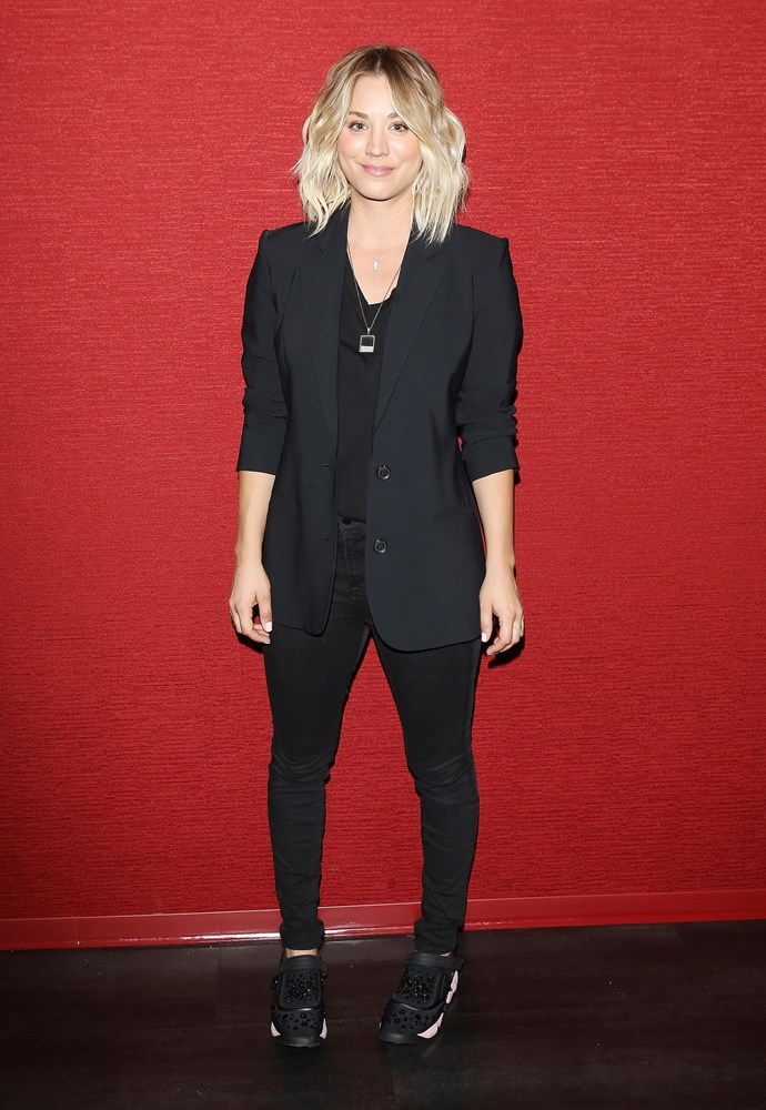 Black blazer, skinny jeans and trending kicks? Yup, Kaley's got this whole tomboy chic thing *down*.