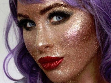This girl has redefined #HighlighterGoals by doing a full face of makeup with glitter