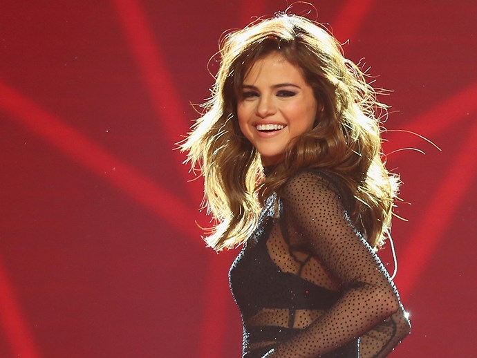 Selena Gomez just cut off all hair and it looks amaze
