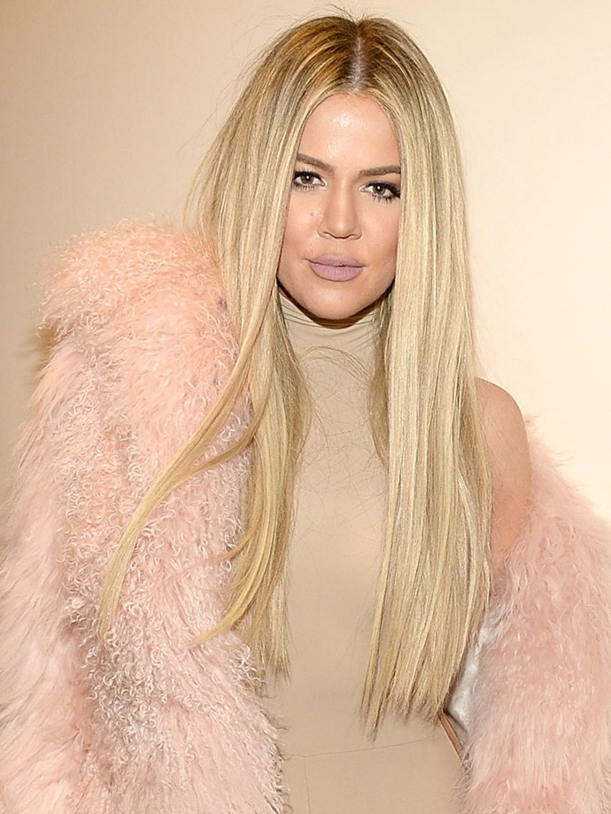 Laterz lob and *HELLO* long, blonde mane. We don't know how she did it, but boy oh boy, Khloé's hair looks good.