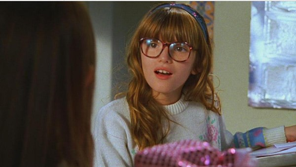 Bella Thorne played a young Taylor Townsend in a flashback episode.