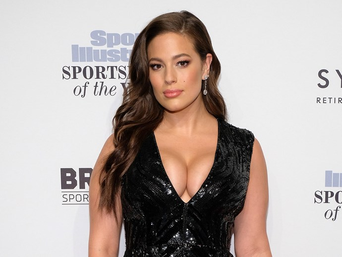 People have noticed a lot of weird things about the way Ashley Graham looks on this magazine cover