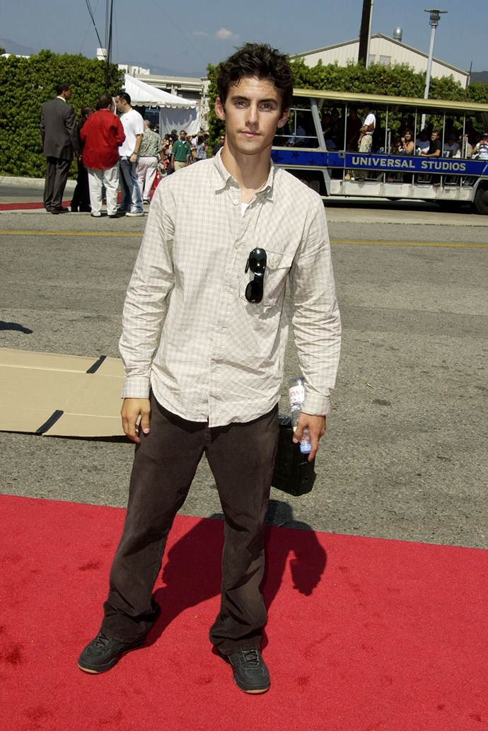 Here's a fetus Milo at the 2002 Teen Choice Awards, wearing a very large shirt.