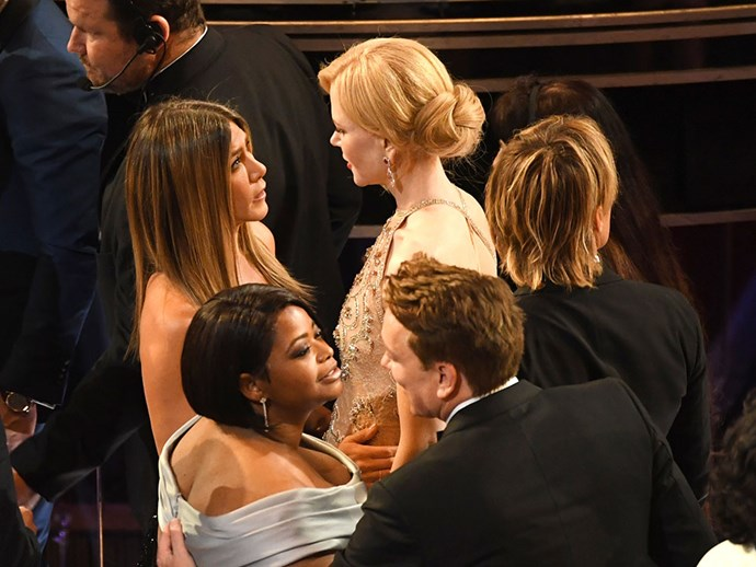 Jennifer Aniston and Nicole Kidman caught up during one of the show breaks.
