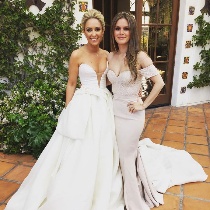 Rachel Bilson showed her support for gal pal Gelareh Khalioun, her costume designer from Hart of Dixie, by being her bridesmaid and this pic is EVERYTHING.