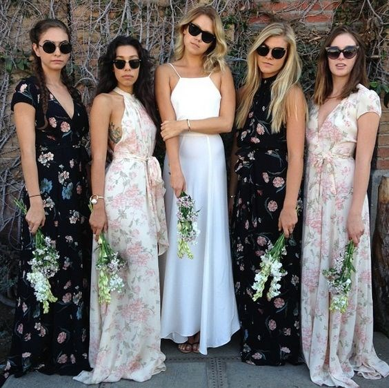 "**2. Mix & Match Bridesmaid Dresses**   Via [Pinterest](https://au.pinterest.com/pin/ATQJidAbesrYXctgp4be_4tYeRt9R7Fi4AMX1tw-MKpctGDx6hnIeAA/|target=""_blank""