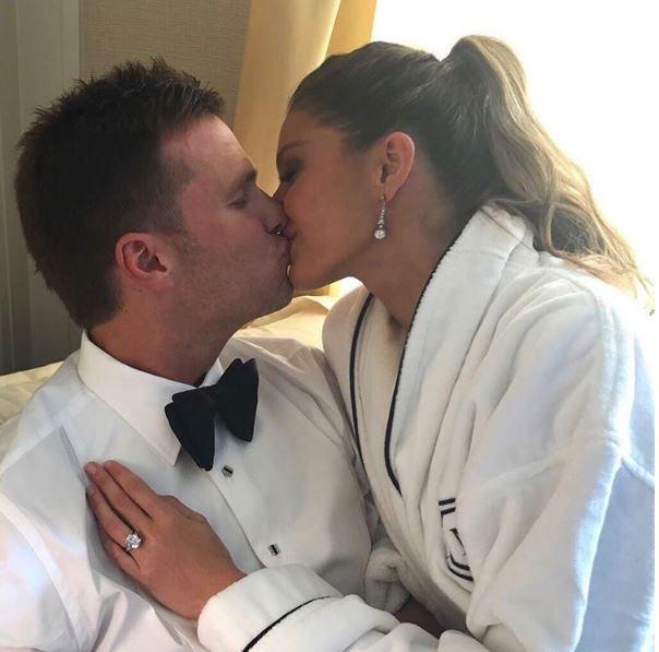 **Gisele Bundchen**  Gisele Bundchen and Tom Brady shared a bit of a smooch before hitting the red carpet.