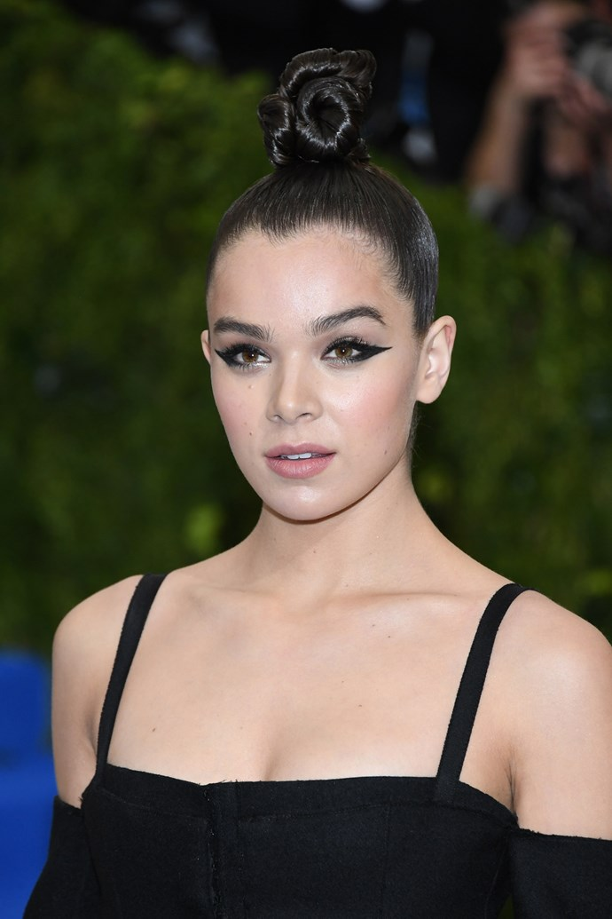 This year, Hailee Steinfeld stepped out rocking a poo bun.