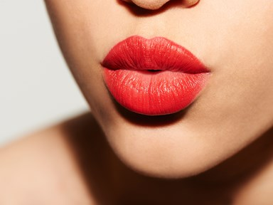 6 real women match their lip colour to their nipples