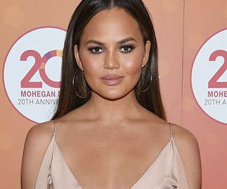 SERIOUS QUESTION: Is Chrissy Teigen's new hair orange or strawberry blonde?