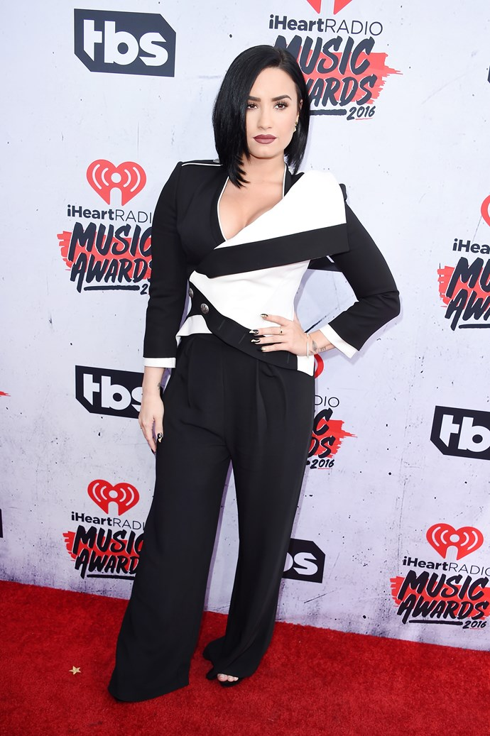 """**Demi Lovato:** After her 'Cool For The Summer' song came out, there was a lot of speculation around Demi's sexuality. When on *[Alan Carr: Chatty Man](https://www.youtube.com/watch?v=GOU-ZvWiSDY)* she said, """"I am not confirming, and I'm definitely not denying. All of my songs are based off of personal experiences. I don't think there's anything wrong with experimentation at all."""""""