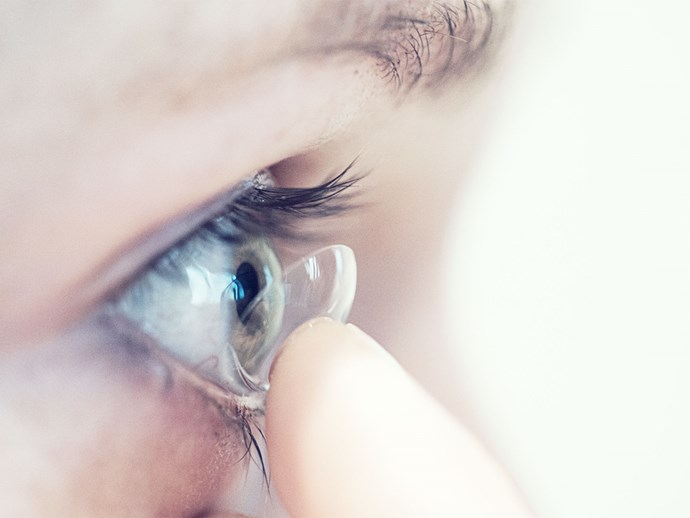 This woman lost 27 contact lenses in her eye