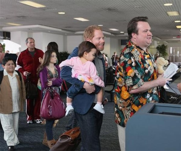 Modern Family airport episode