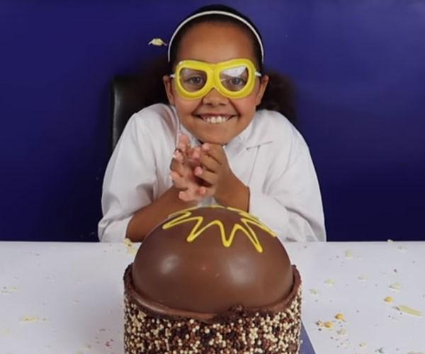 smash cake smashing