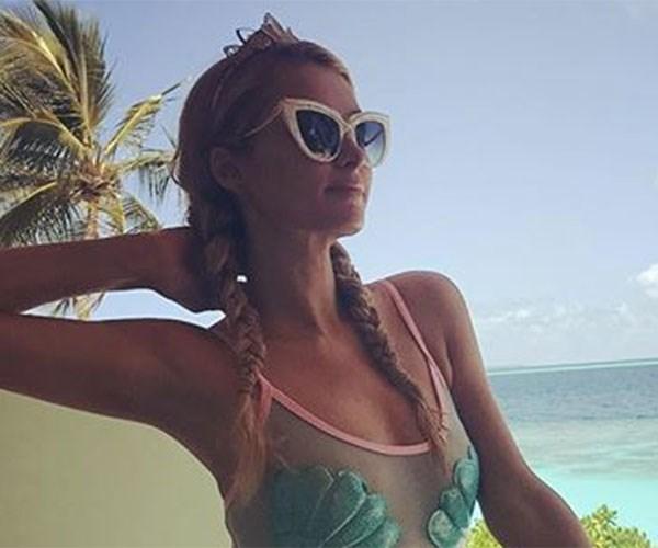 Hot celebrities in amazing bikinis
