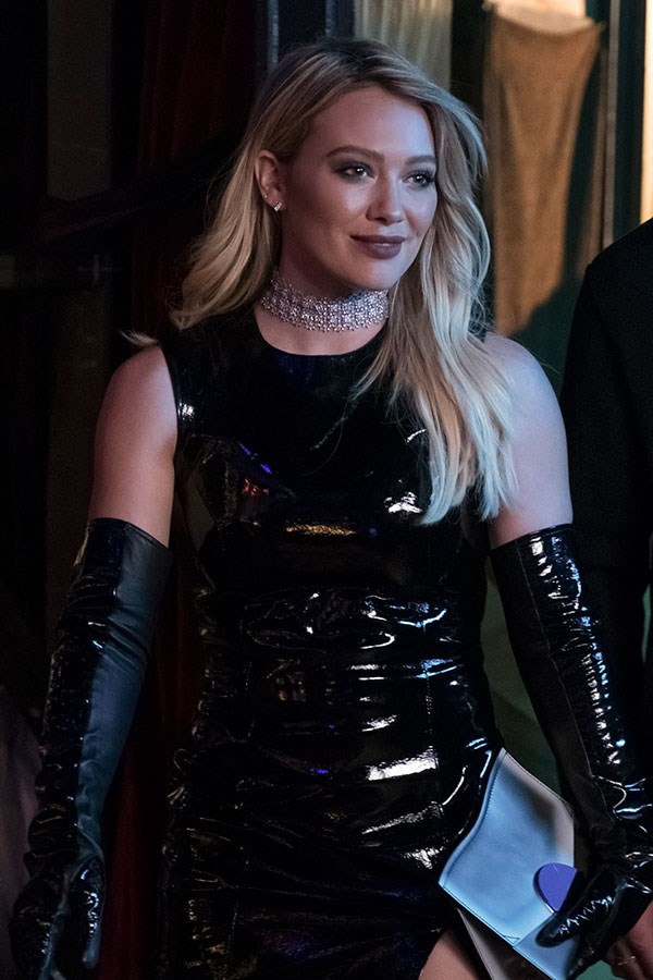 Okay, so maybs not 9-5 attire, but worthy of a mention 'cause Hilary Duff + patent leather co-ords = a recipe for pure FIRE.