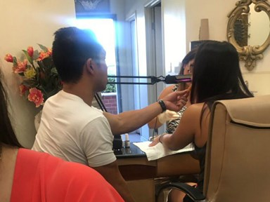 This Man Feeding His Girlfriend Chicken Nuggets While She Gets Her Nails Done Is #Goals