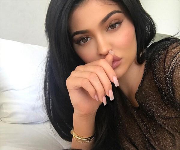 Kylie Jenner lip fillers pregnant