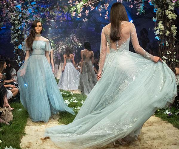 https://www.cosmopolitan.com.au/weddings/ellie-goulding-engaged ...
