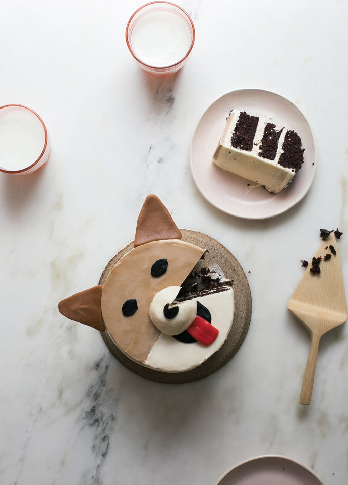 *Images Courtesy of [A Cozy Kitchen](http://www.acozykitchen.com/how-to-make-a-corgi-cake-and-a-pug-cake-too/)* <br><br>