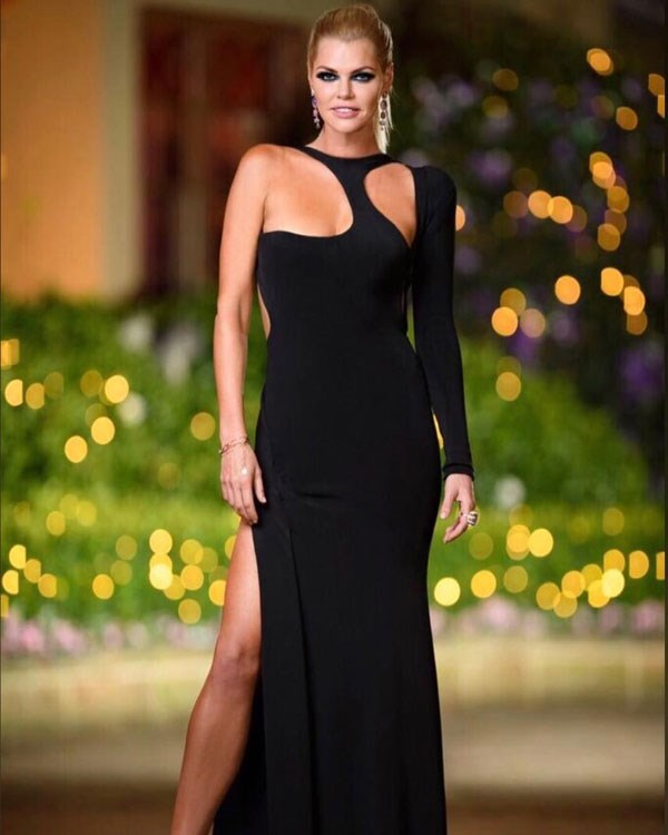 """**Ep 8** <br><br> Dress: [Cappellazzo Couture](http://www.cappellazzocouture.com/