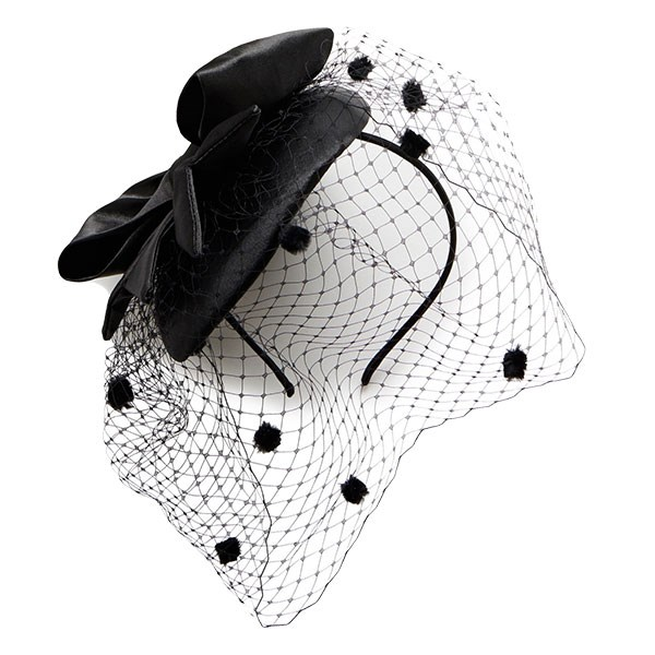 """Fascinator, $38 at [Forever New](https://www.forevernew.com.au/bethany-bow-fascinator-2024912001007