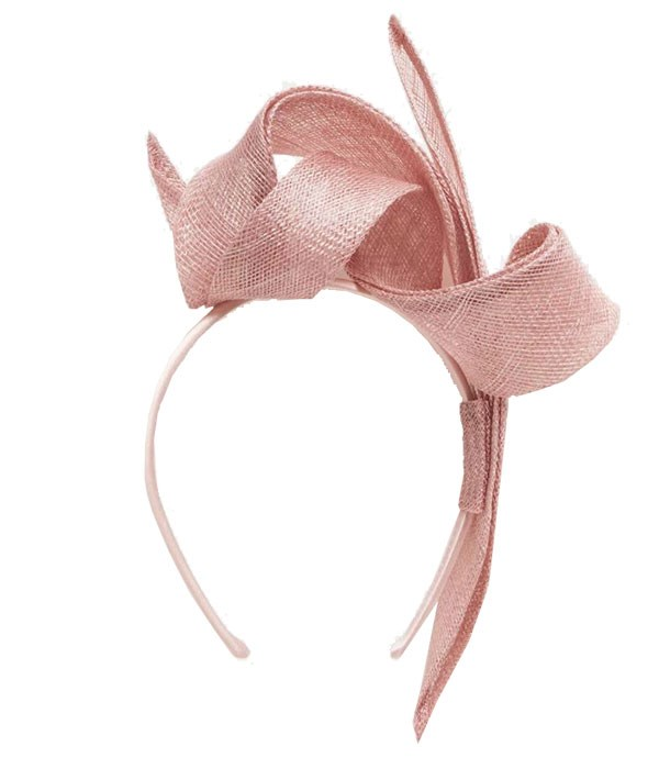 """Headband, $50, Forever New at [The Iconic](https://www.theiconic.com.au/caitlin-twist-fascinator-533561.html
