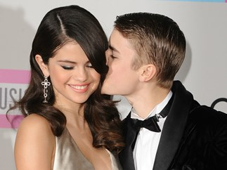 Fan Snaps the Chillest Photo of Selena Gomez and Justin Bieber on a Date
