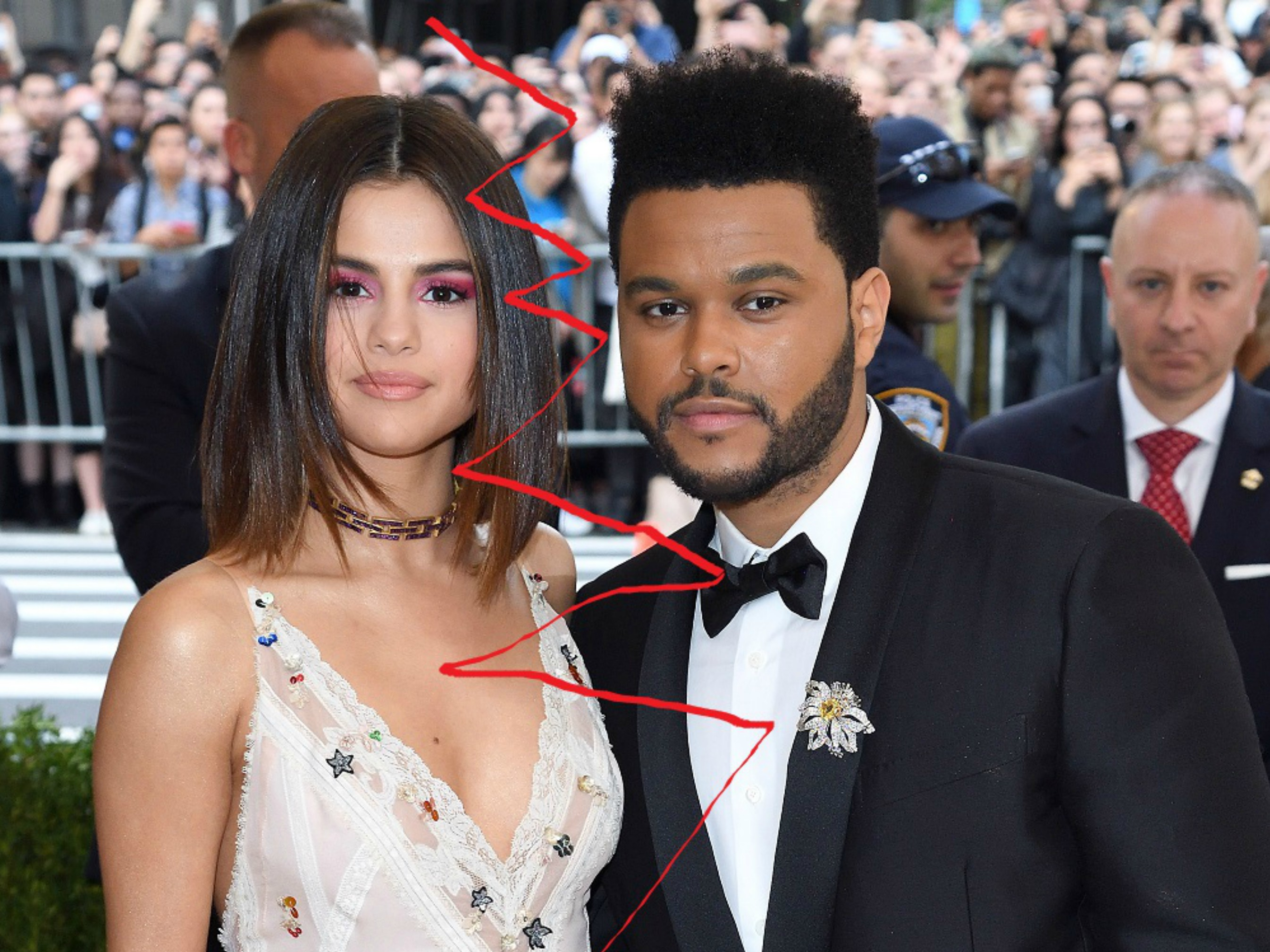 CelebritySelena Gomez unfollows The Weeknd on Instagram The plot