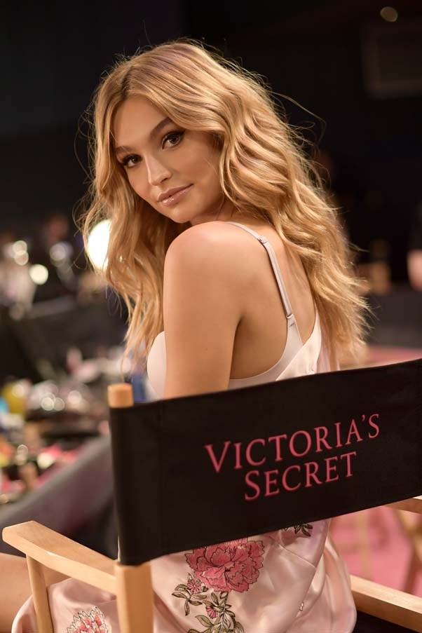 A model backstage at the 2017 Victoria's Secret Fashion Show.