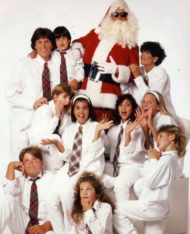 By 1991, Kris and Robert's divorce had been finalised and the momager-to-be clearly turned her attention to building the most epic, massive, blended family that she could. *Side Note: Who the heck is in the Santa suit?Please say it's Todd Kraines. We really want it to be Todd Kraines.*
