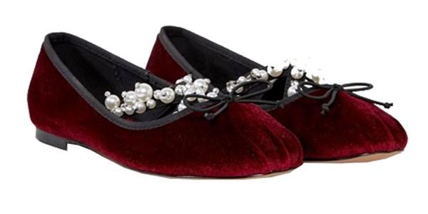 "Shoes, $50 at [ASOS](http://www.asos.com/asos/asos-lavish-embellished-ballet-flats/prd/8351936?clr=burgundy&SearchQuery=&cid=4172&pgesize=204&pge=1&totalstyles=864&gridsize=3&gridrow=19&gridcolumn=1 target=""_blank"" rel=""nofollow"")"
