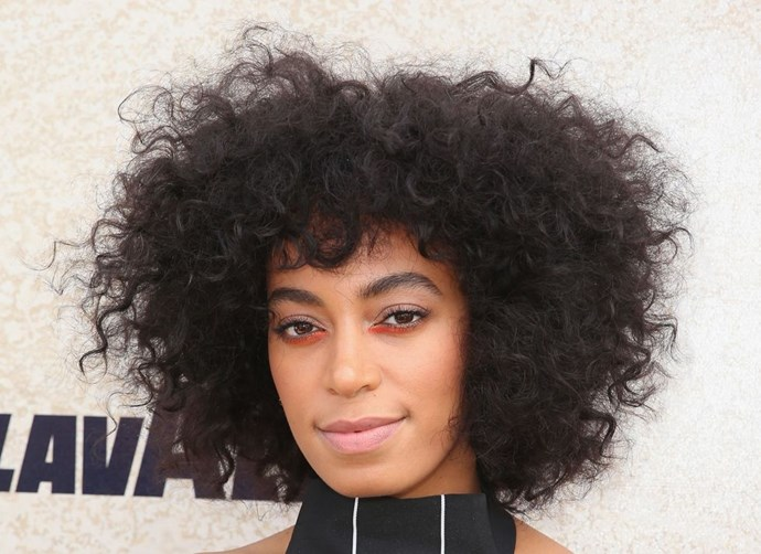 **Solange's beautiful textured 'fro** <br><br> Solange's stunning candyfloss curls are the all natural hair inspo you need this month - pay attention, peeps.
