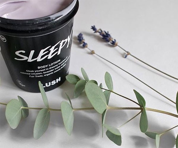 "**Sleepy Body Lotion, $16.50 at [Lush](https://au.lush.com/products/sleepy|target=""_blank"").**    ATTN: Lush is a company that gives back all year 'round — not just at Christmas. Their products are 100% vegetarian, their ingredients are ethically sourced, they're against animal testing and everything is handmade. We'd be stoked to see the Lush Sleepy Body Lotion under the tree this year, especially if it helps us fall asleep after a hectic festive season."