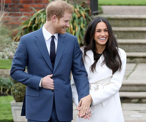 Meghan Markle engagement ring replica